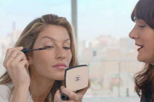 Жизель Бундхен в проекте Chanel: 3 видеоурока по макияжу