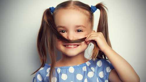 Как развивать чувство юмора у малышей
