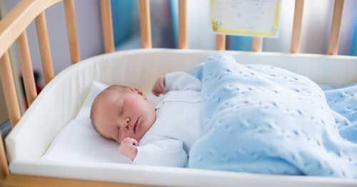 Что угрожает вашему малышу в кроватке