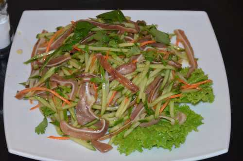 Салат из свиных ушей