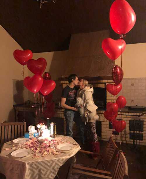 Как звезды отмечают День святого Валентина
