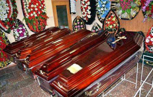 Покойник просит еды поставьте свечи в церкви