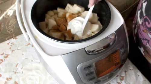 Рецепт курицы в сметане  в мультиварке, секреты