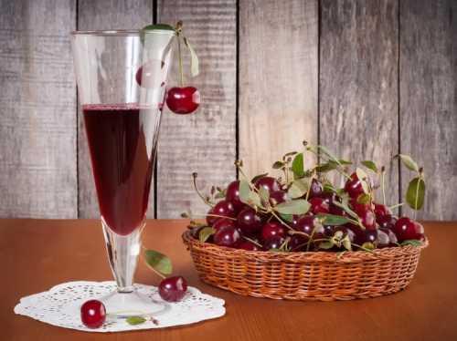 Рецепты ликёра из вишни, секреты выбора
