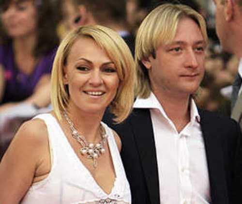 Жена и сын оригинально поздравили Плющенко с юбилеем