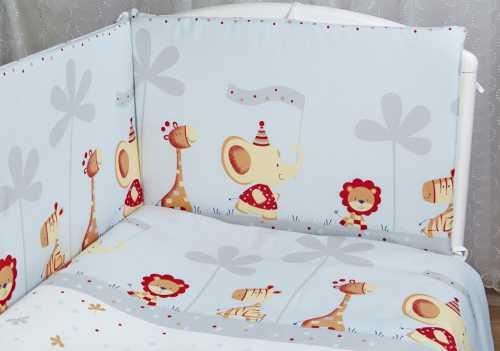 Каким должен быть комплект в детскую кроватку